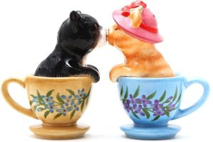 Kissing Kittens Cats in Tea Cup